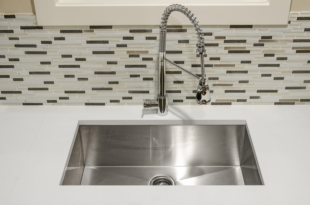 Pros and Cons For Commercial Stainless Steel Sinks