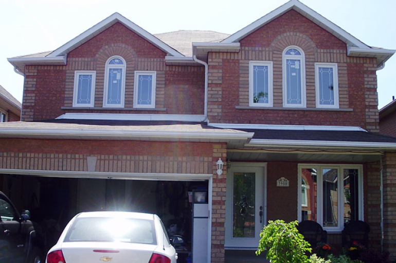 Selecting A Contractor For Oakville Windows Replacement Project