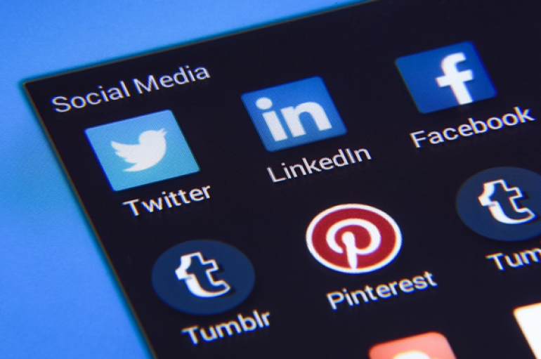 5 Easy Ways Businesses Can Harness The Power Of Social Media