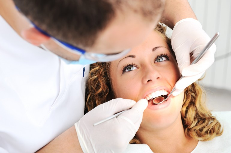 How To Choose A Cosmetic Dental Practitioner
