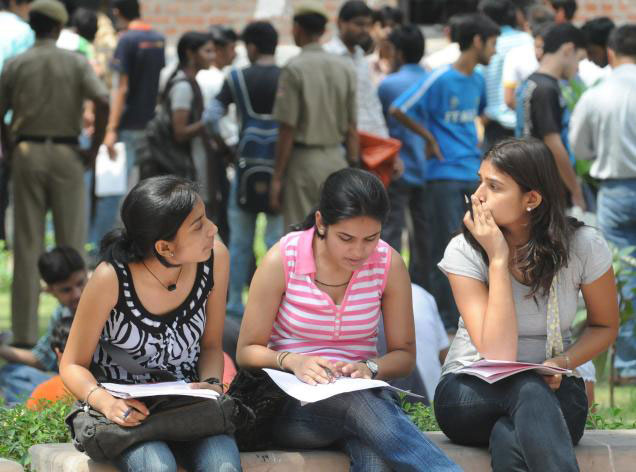 How To Manage College Admissions Chaos