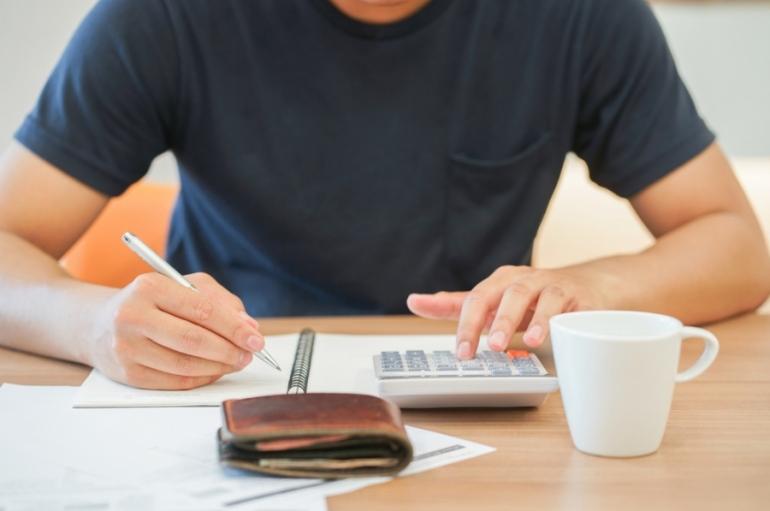 4 Smart Tips for Saving Money